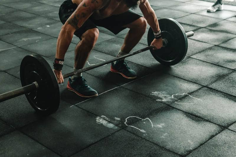 Combining sauna and fitness works by incorporating infrared heat to warm the muscles, thus helping users perform high-intensity resistance exercises with reduced risk of injury.